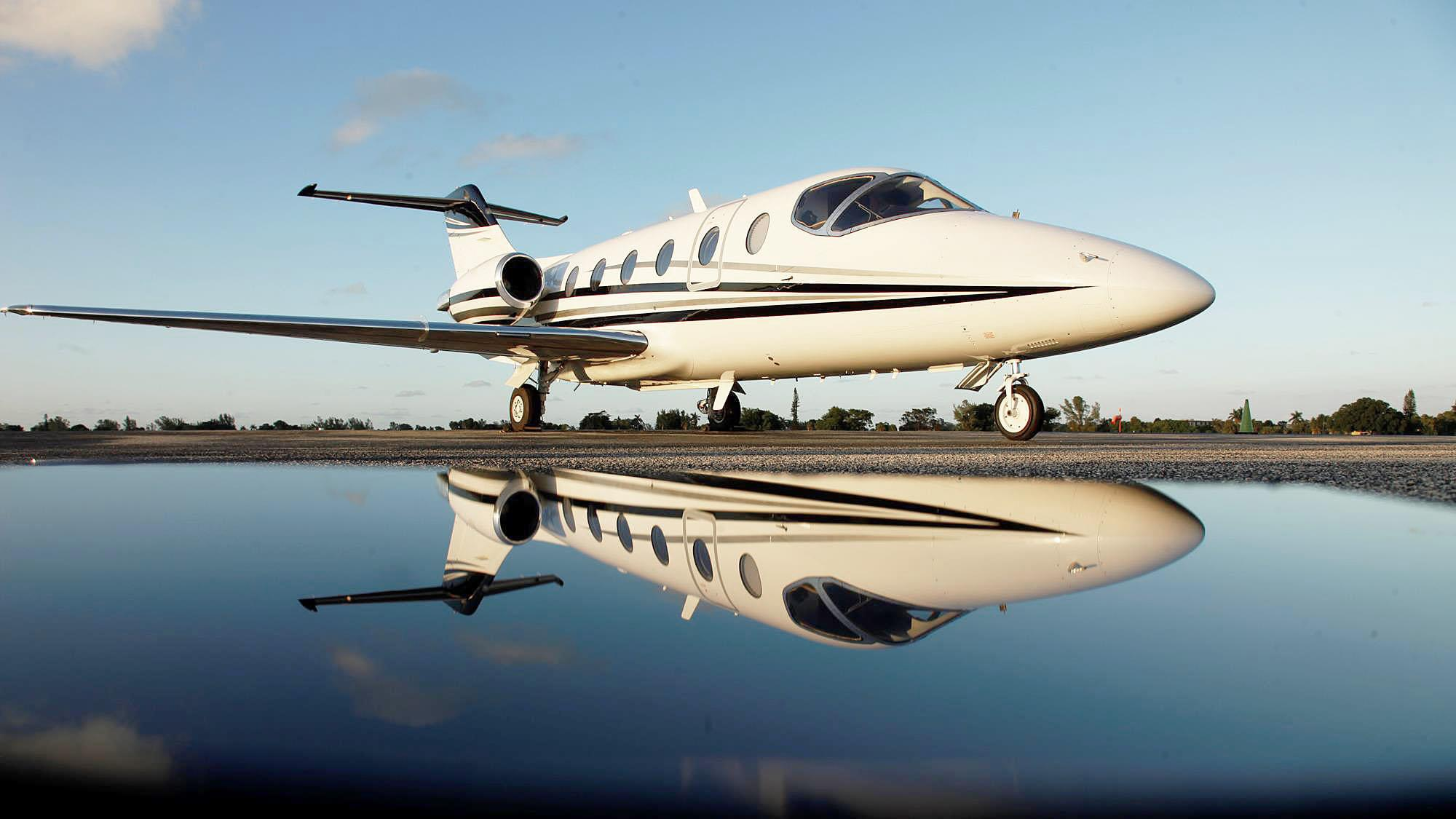 Charter a Beechcraft Beechjet 400 A Light Jet-8-457.88336933045355-136