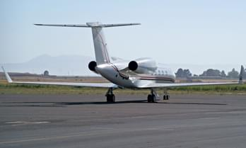 Charter a Gulfstream GIV Super Large Jet-12-504.8596112311015-4220