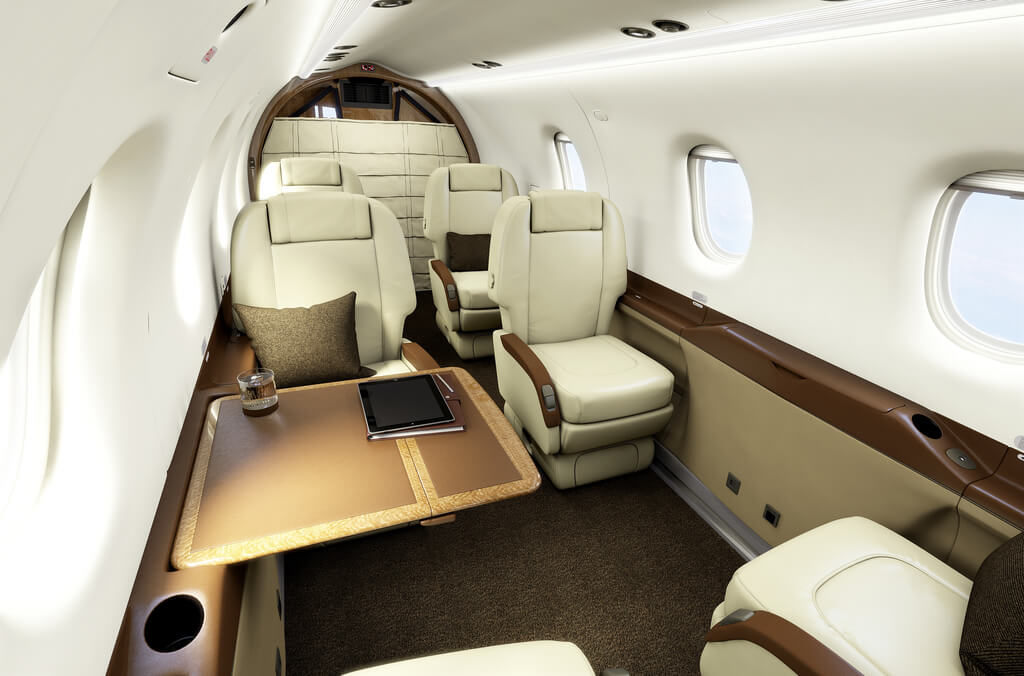 Cabin of the Pilatus PC-12 from the front (Copyright: Pilatus Aircraft Ltd)